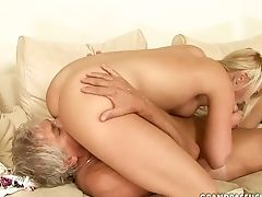 Teenager Gives Unthinkable Gullet Job Horny Fellow