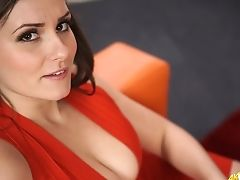 Alluring Cougar Charlie Rose Shows Her Jaw Ripping Off Cleavage