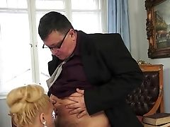Blonde Luvs Dick Sucking Too Much To Stop In Oral Act
