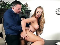 Keiran Lee Gets Seduced By Blonde Nicole Aniston With Gigantic Tits And Then Drills Her Mouth